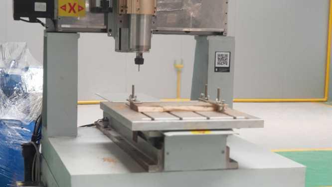 Máy phay cắt kim loại 1 đầu